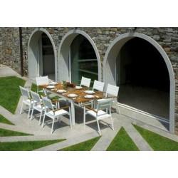 Sedia Bastia Impilabile Con Braccioli In Teak E Alluminio