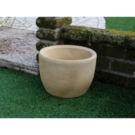 Vaso in pietra ricostruita oklahoma tufo for Vasi in cotto toscano